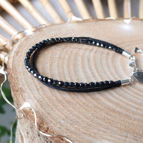 Bracelet Kuünu chic et éthique, en lin, argent et perles en verre de Bohème coloris NOIR HEMATITE