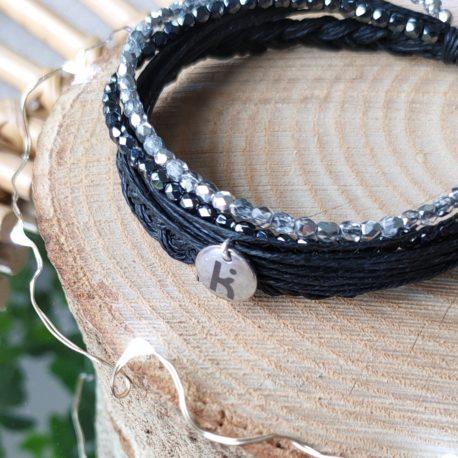Bracelet Kuünu chic et éthique, en lin, argent et perles en verre de Bohème coloris NUANCES DE GRIS